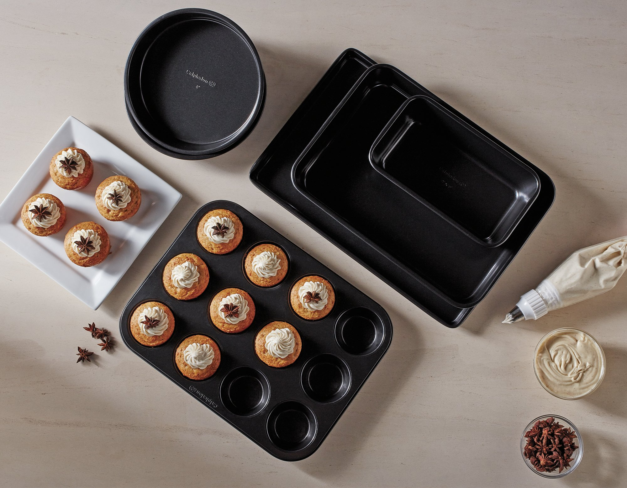 Free Bakeware Set when you spend $150 or more
